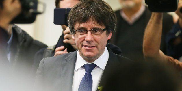 Puigdemont estudia cómo cortejar a ERC en la primera reunión de JuntsxCat en