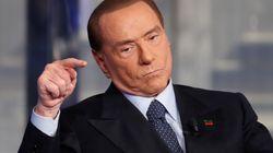 Berlusconi dice que no está acostumbrado al cortejo porque son las mujeres las que van a