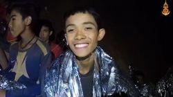 Los niños atrapados en una cueva de Tailandia aparecen en un nuevo video con