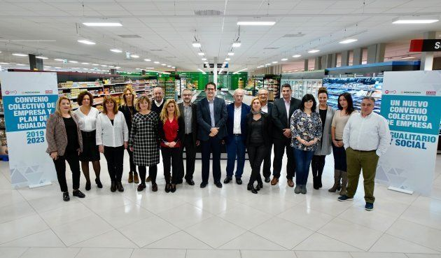 Representantes de los sindicatos y de la empresa en el centro de coinnovación del Jarro en Paterna,
