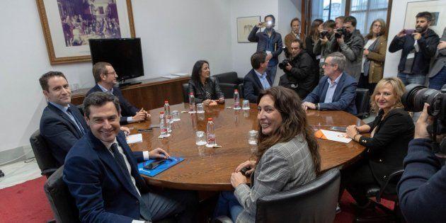 Reunión PP y Cs en