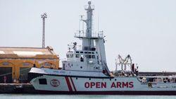 Llega al puerto de Barcelona el 'Open Arms' con 60 inmigrantes a