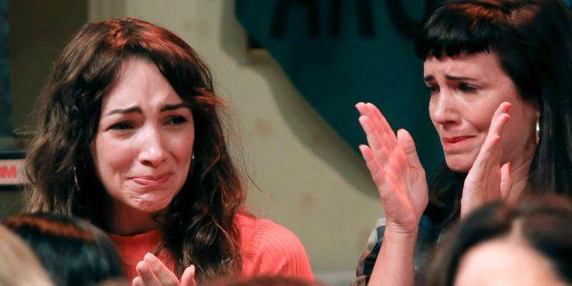 Las actrices argentinas Thelma Fardin (L) y Griselda Siciliani durante la rueda de prensa en la que se...