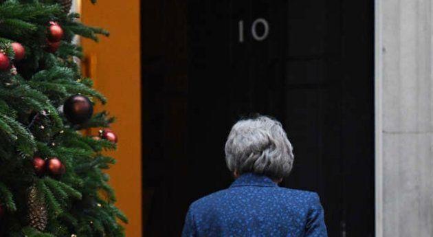 May dejaría Downing Street si