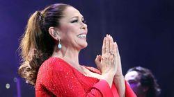 Una de las mayores fans de Isabel Pantoja muere en la cola de un concierto de la