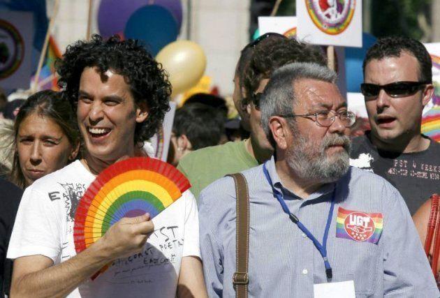 Pedro Zerolo y Cándido Méndez, en la manifestación del Orgullo de