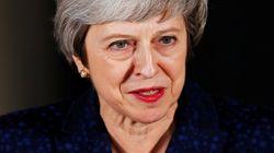 Theresa May sobrevive a la moción de confianza de sus compañeros del Partido
