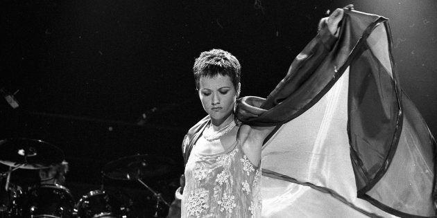Dolores O'Riordan, cantante The Cranberries, en una actuación de