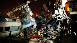 Al menos 7 muertos y 46 heridos al chocar un tren de alta velocidad en