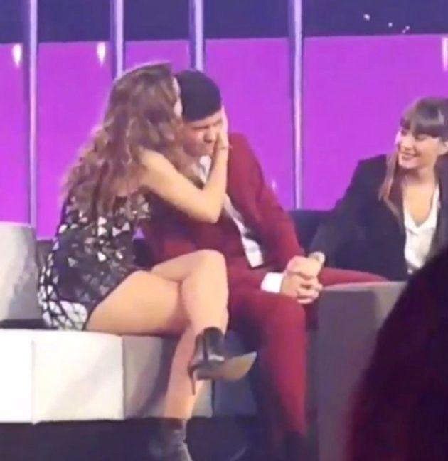 Amaia abraza a Alfred tras la valoración de Joe