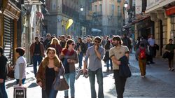 La inmigración compensa la pérdida de población en España, donde ya viven 46,7 millones de
