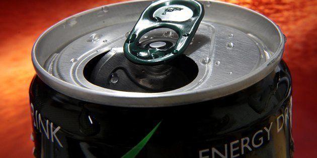 Los efectos negativos de las bebidas energéticas afectan a la mitad de sus