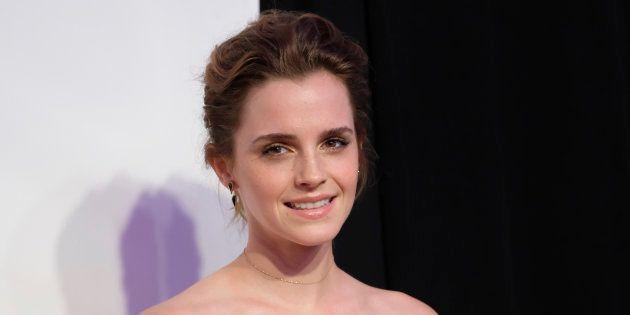 Emma Watson publica la primera foto con sus compañeras en el rodaje de