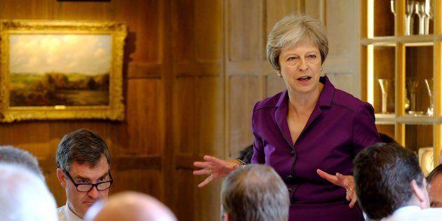La primera ministra británica Theresa May en la residencia de campo de Ellesborough en