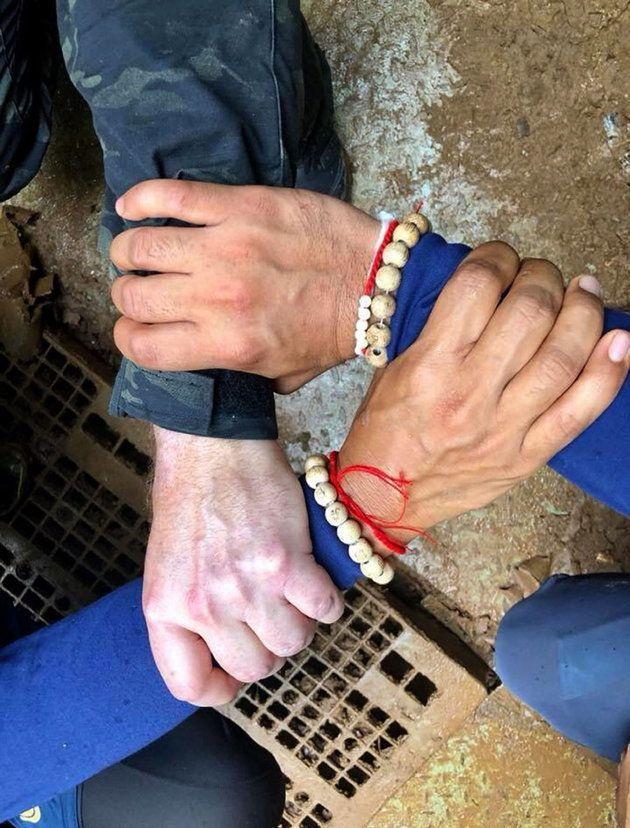 Las fotos del rescate de los niños atrapados en una cueva de