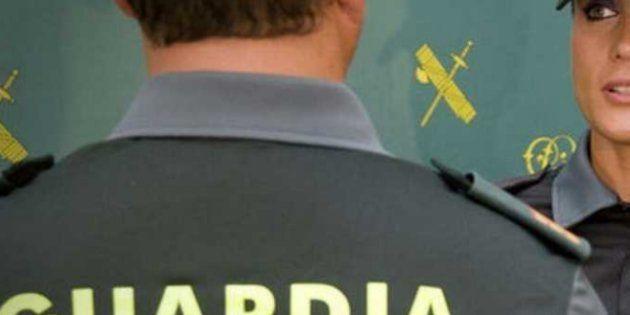 La Guardia Civil calienta (pero mucho) Twitter con un agente 'buenorrísimo' que recuerda que el Cuerpo...