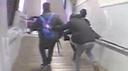 Detenido un joven por esta brutal paliza a un hombre en el Metro de
