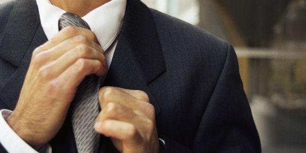 Llevar corbata reduce el flujo sanguíneo en el cerebro y afecta a las capacidades