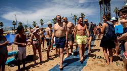 Las fotos de Torra y Mas en la playa de las que todo el mundo