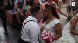 38 parejas del mismo sexo se casan a la vez en Brasil antes de que Bolsonaro sea