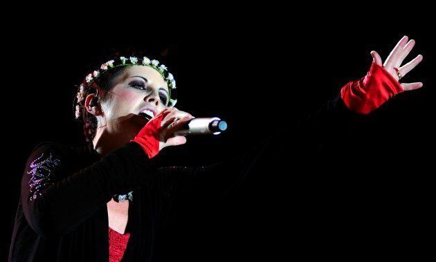 Dolores O'Riordan el 23 de julio de 2010, durante un concierto en Estambul,