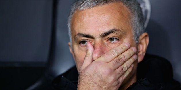 El Manchester United anuncia la destitución de Jose