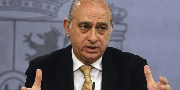 Jorge Fernández Díaz, exministro del Interior, ingresado tras sufrir un
