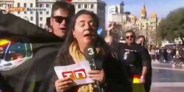 Una periodista de TV3, increpada en una manifestación de policías y guardias civiles en