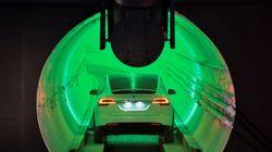 Elon Musk construye un túnel para evitar atascos y moverse a 240 kilómetros por