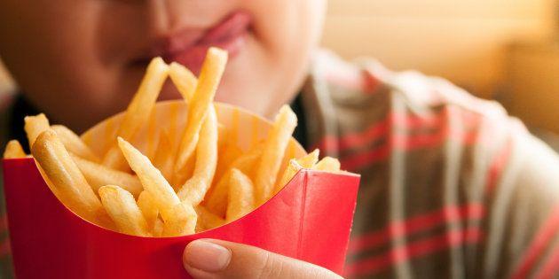 Un estudio revela cuántas patatas fritas deberías comer de una