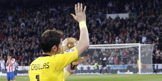 Ovación unánime a Casillas por lo que dice de Ronaldo en un tuit de