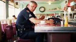 El alegato de una policía en el que pensarás cuando los veas de