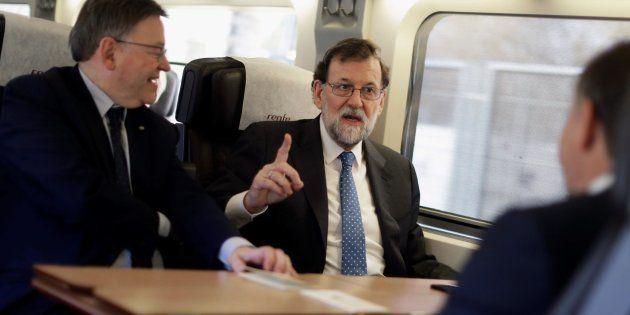 El AVE inaugural a Castellón llega con retraso por cuestiones