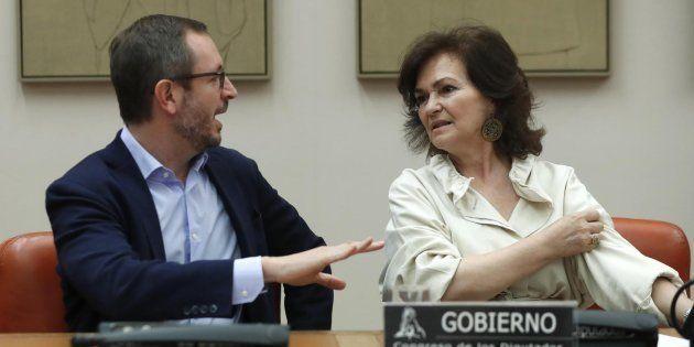 Javier Maroto y Carmen Calvo en el