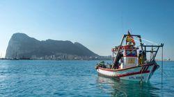 Un pesquero español acusa a La Policía de Gibraltar de abordarlos y rociarlos con gas