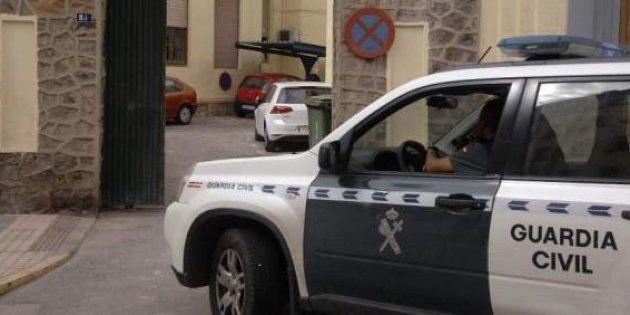Detenido un hombre que huyó con sus dos hijas tras agredir presuntamente a su