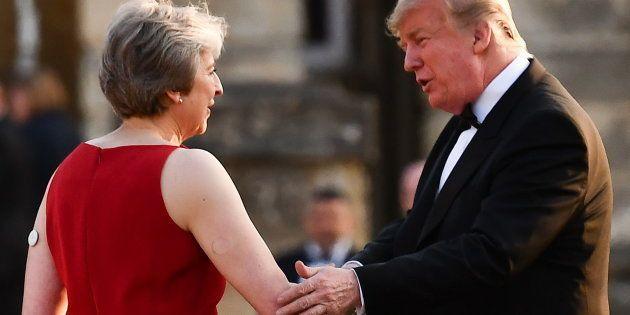 Trump advierte a May que su Brexit 'blando' dinamita el acuerdo comercial entre EEUU y Reino