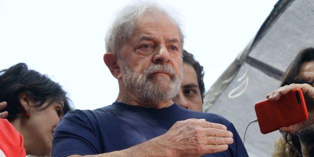 Luiz Inacio Lula da Silva, el pasado abril, durante una misa en homenaje a su esposa, en Sao