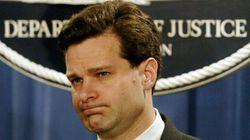 El director del FBI amenaza con dimitir ante las presiones del Gobierno de