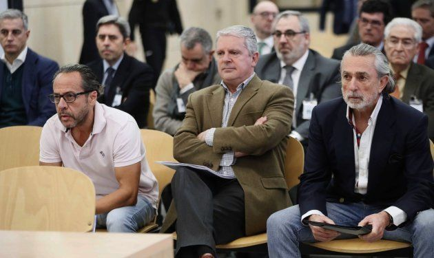 De izda a dcha: Álvaro Pérez Alonso 'El Bigotes', responsable de la empresa Orange Market; Pablo Crespo,...