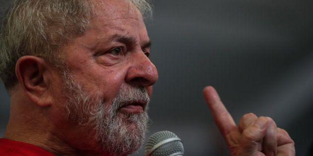 El expresidente brasileño Luiz Inácio Lula da Silva, durante un mitin ante trabajadores del metal en...