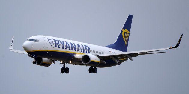 33 heridos tras un aterrizaje de emergencia por una pérdida de presión en un avión de
