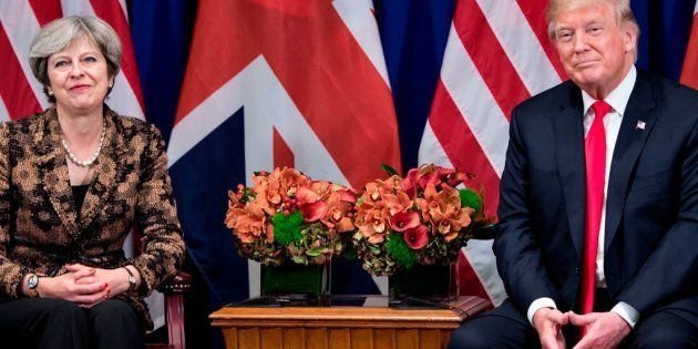 Trump quiere que Theresa May sea