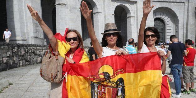 Mil franquistas protestan en el Valle de los Caídos contra el traslado de los restos de