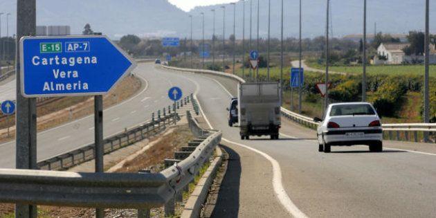 Fomento rescatará dos autopistas de peaje el 1 de