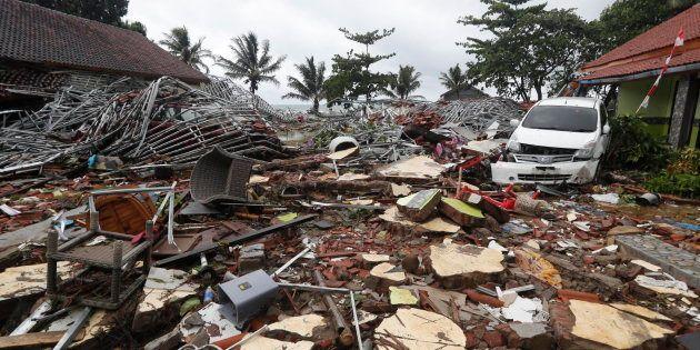 Destrozos provocados por el tsunami en