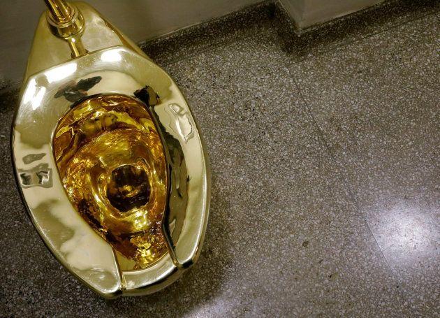 El Guggenheim ofrece a Trump un inodoro de oro en lugar de un Van