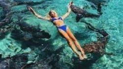 Una modelo de Instagram, atacada por un tiburón mientras posaba para unas