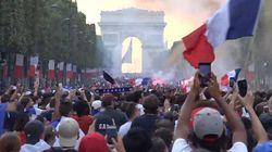 Los aficionados franceses abarrotan los Campos Elíseos para celebrar el