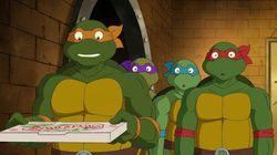 La tortuga mutante Miguel Ángel visita el Met para ver la obra de Miguel